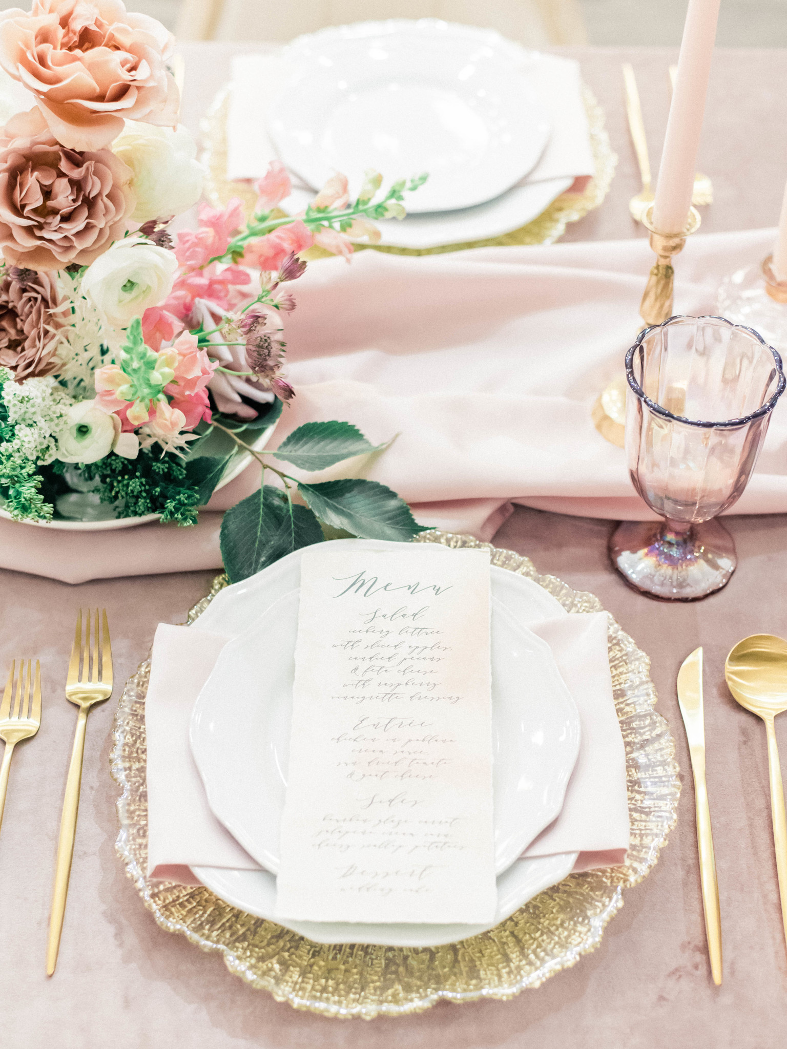 Mauve and gold wedding table setting: Whimsical mauve wedding inspiration on Alexa Kay Events. See more romantic wedding ideas at alexakayevents.com!