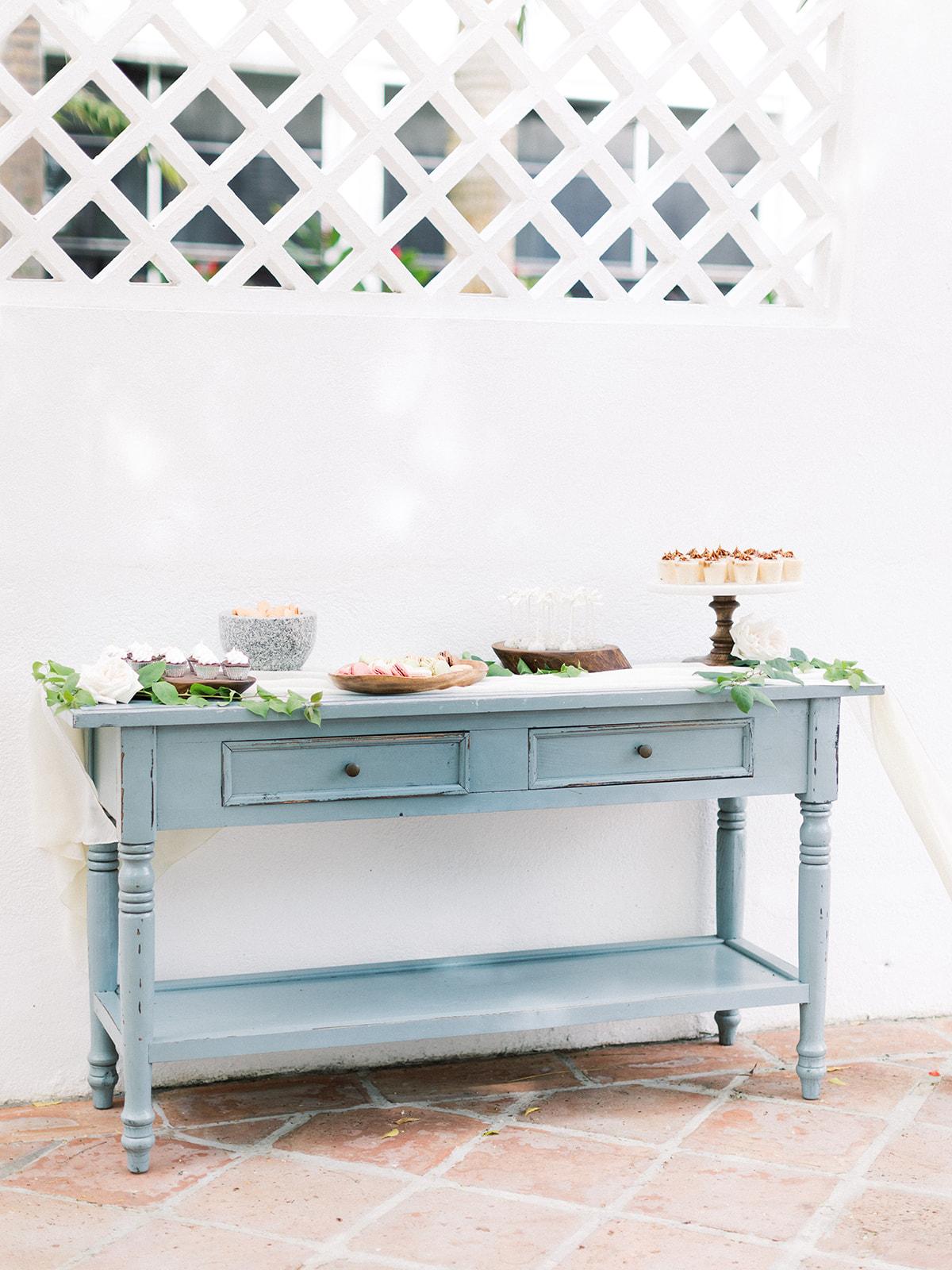 Wedding dessert table: Beach Wedding Inspiration | Dominican Republic