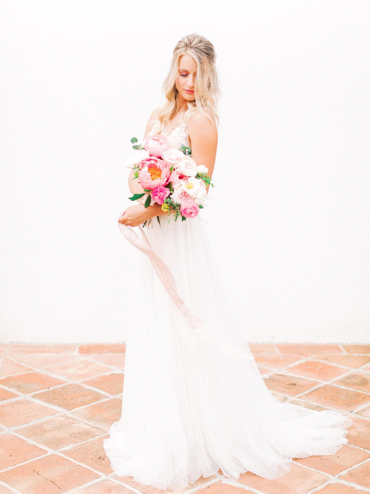 Romantic pink wedding bouquet: Beach Wedding Inspiration | Dominican Republic