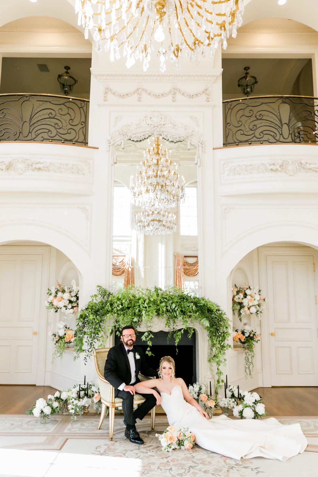 Modern wedding photography: Sophisticated and Chic wedding inspiration on Alexa Kay Events