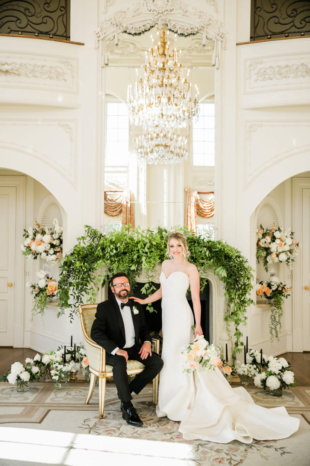 Wedding floral design ideas: Sophisticated and Chic wedding inspiration on Alexa Kay Events