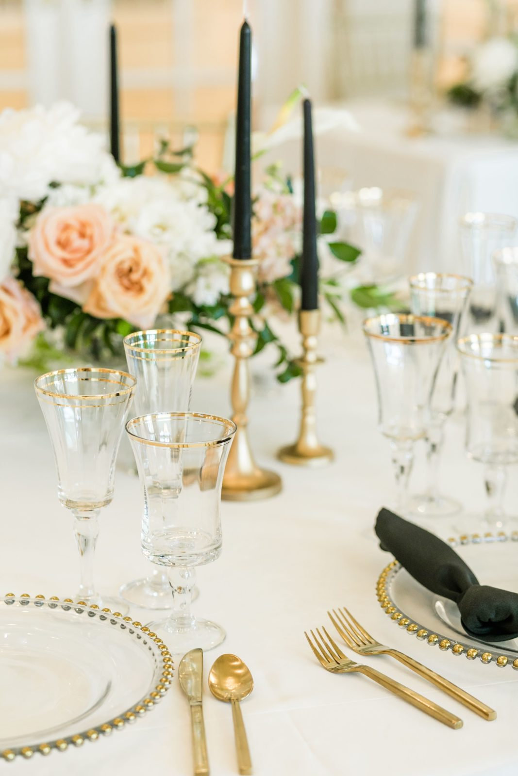 Wedding centerpieces and table decor: Sophisticated and Chic wedding inspiration on Alexa Kay Events