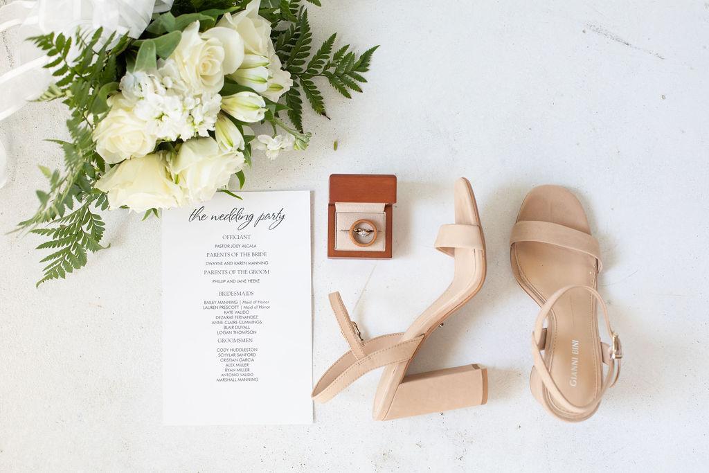 Wedding day details: Modern Minimalistic Wedding at The Emerson