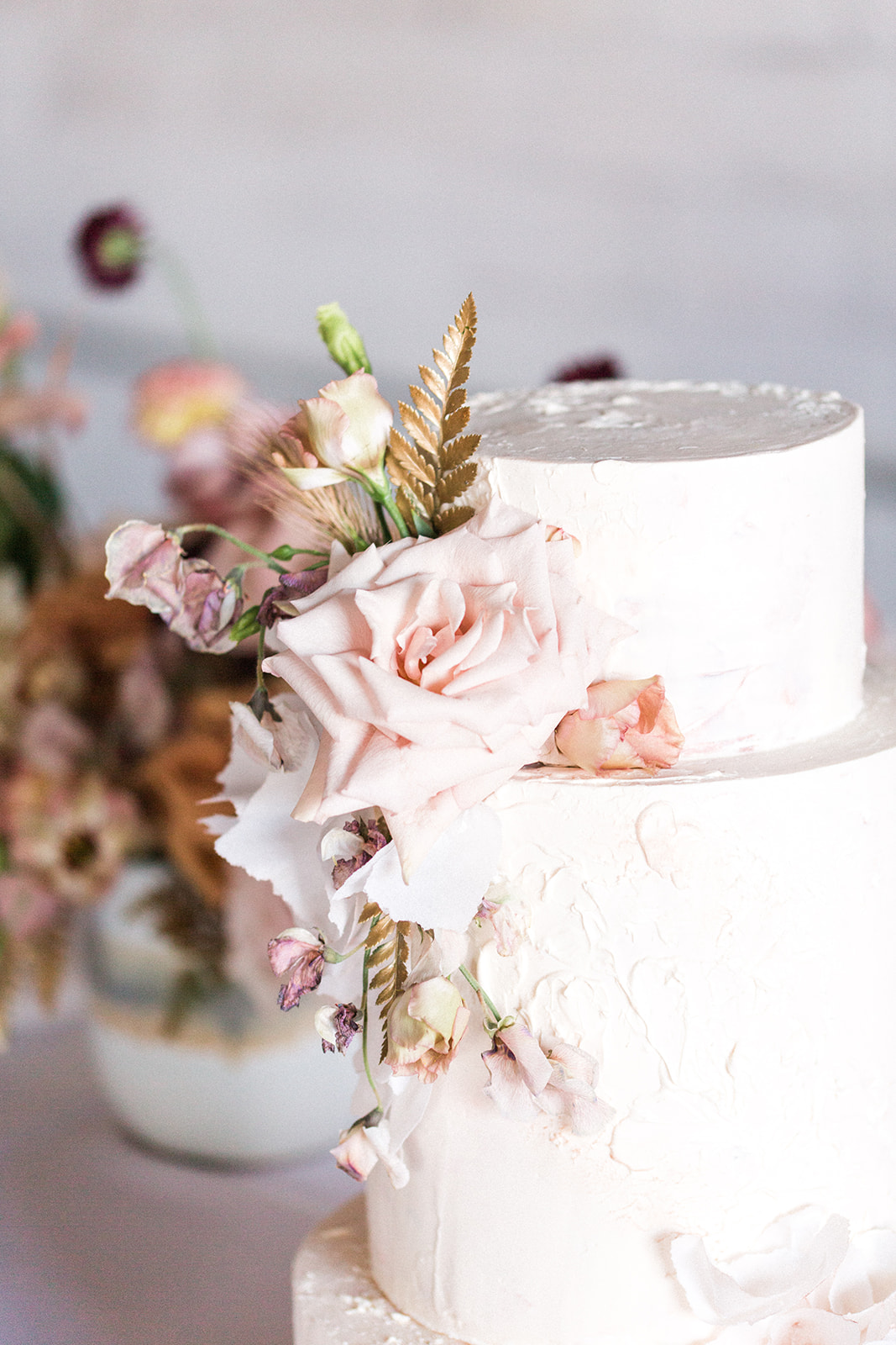 Wedding cake flowers: Fall Garden Wedding featured on Alexa Kay Events