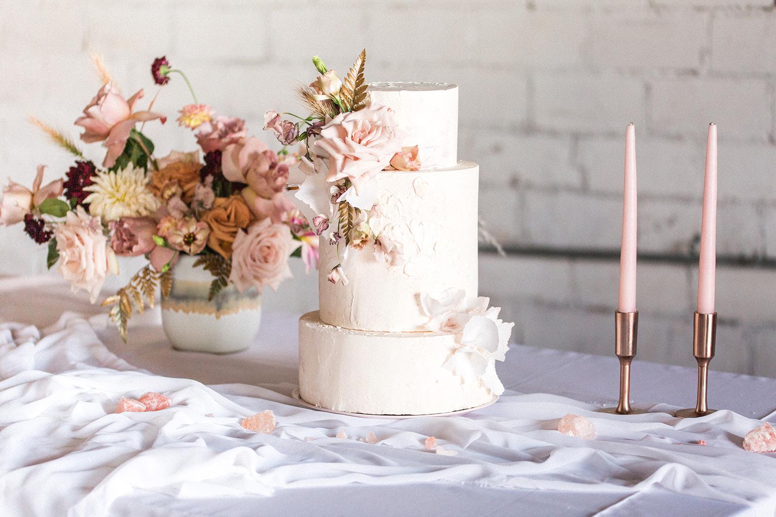 Fine art wedding cake design: Fall Garden Wedding featured on Alexa Kay Events
