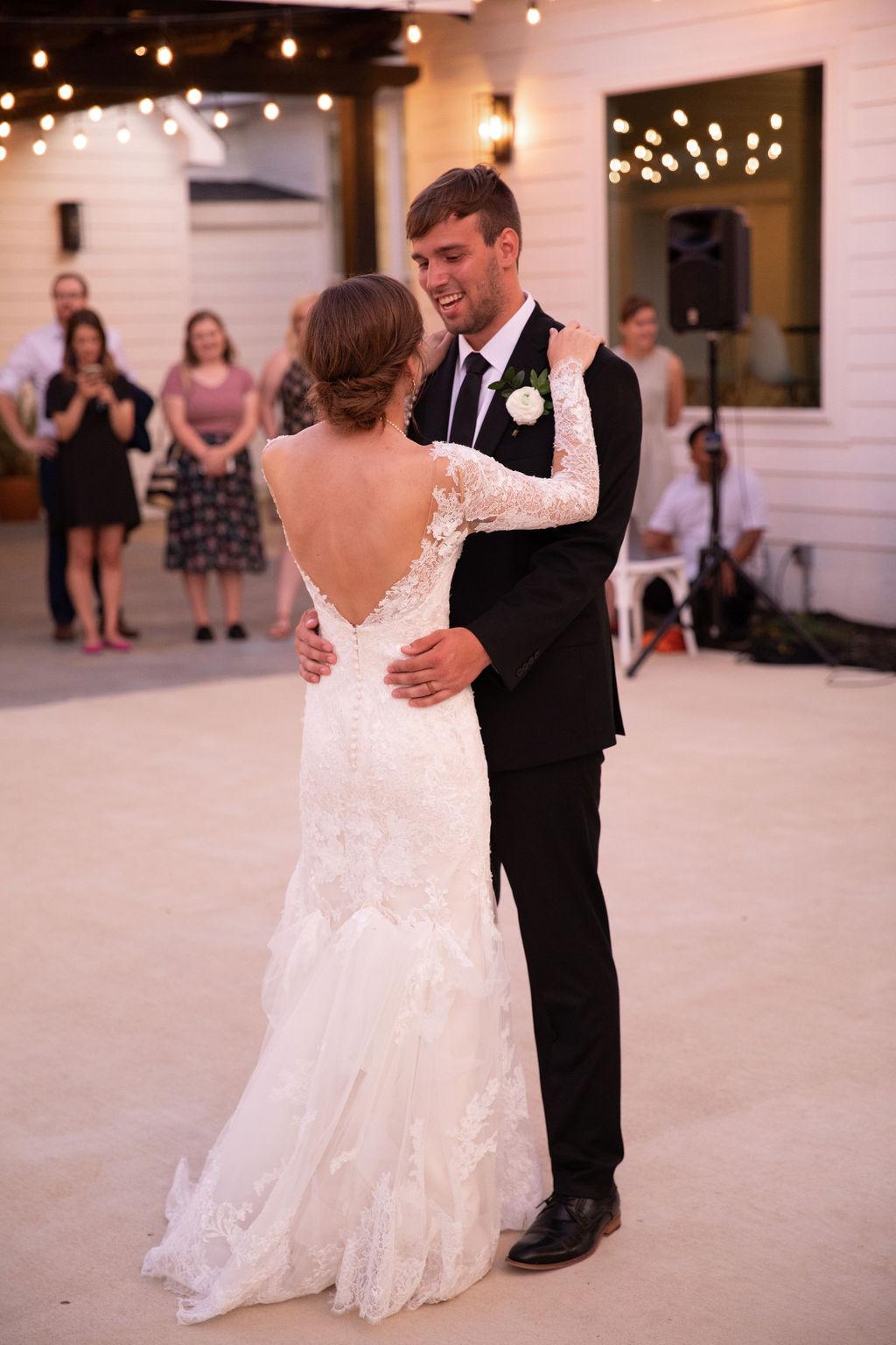 Wedding first dance: Modern Minimalistic Wedding at The Emerson