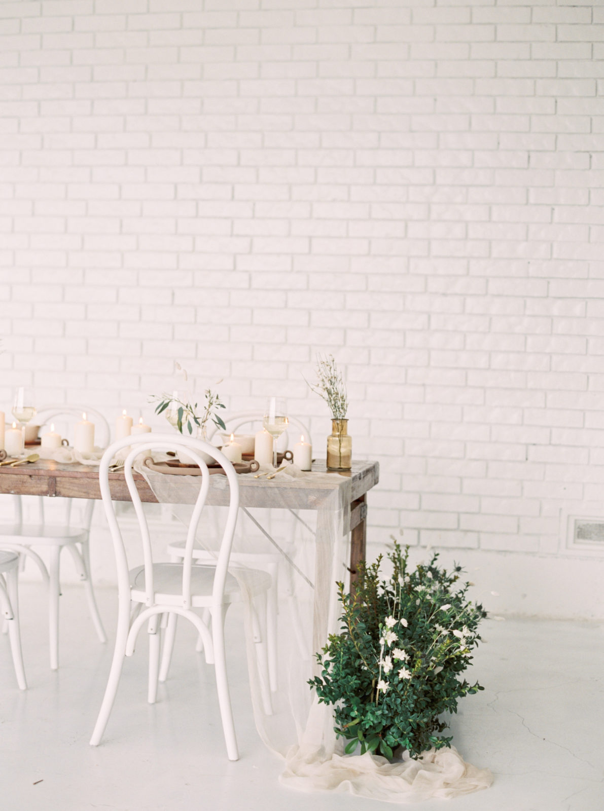 Light and airy wedding styled shoot featured on Alexa Kay Events