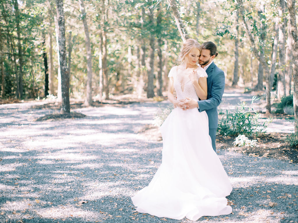 Lauren Marks Photography: Ethereal Wedding Inspiration at The White Sparrow