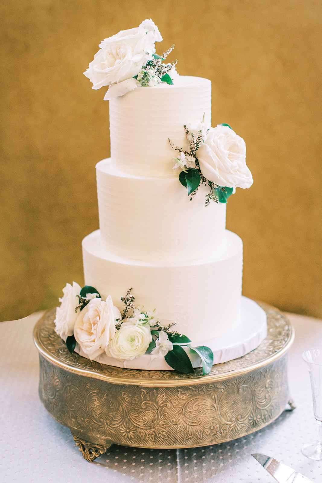 Butterfly Cakery simple wedding cake design