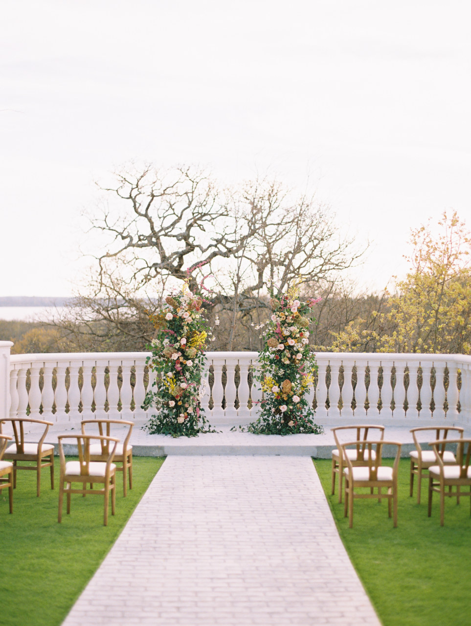 Hillside Estate Dallas outdoor wedding venue