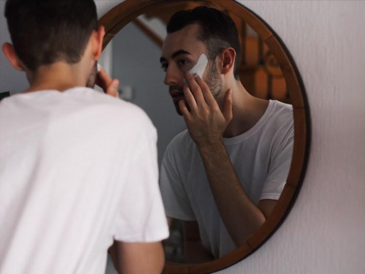 alex applying face mask
