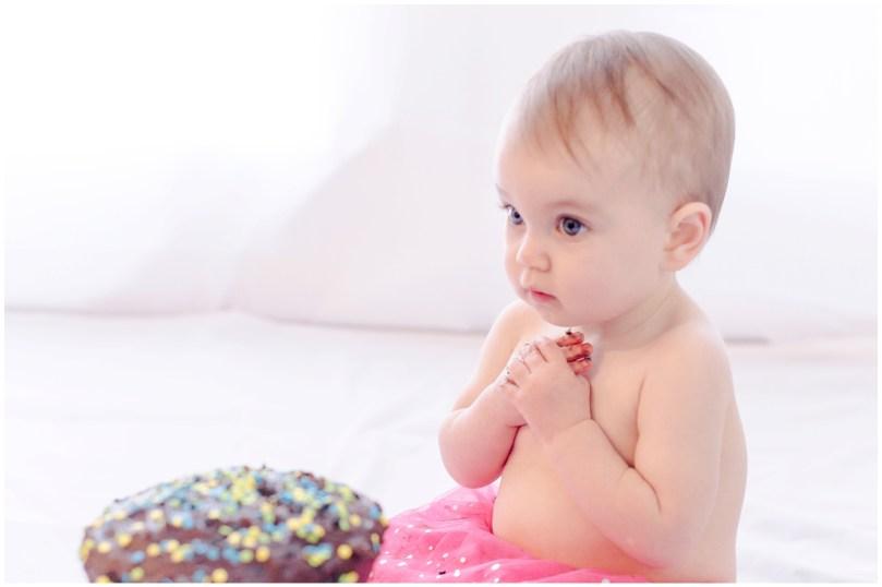 Alexandra Michelle Photography - Cora Cake Smash-73