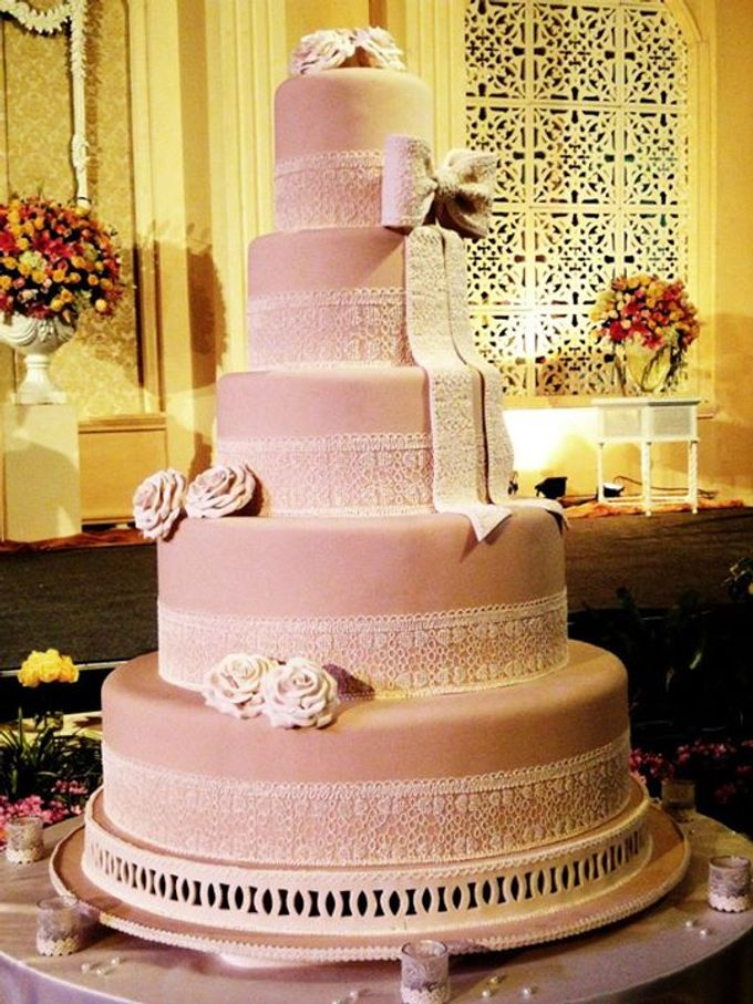 5 Layers Wedding Cakes By LeNovelle Cake