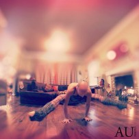 Time to play #yogaeverydamnday #yoga #teekiyoga #armbalance #rvayoga