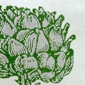 Handgewebtes Leinen mit Motiv Artischocke: Dekorative markante Darstellung einer Artischockenpflanze. (Stich aus dem 19. Jahrhundert) Dreidimensionalität wird wie hier durch einen zweifarbigen Druck erzeugt.