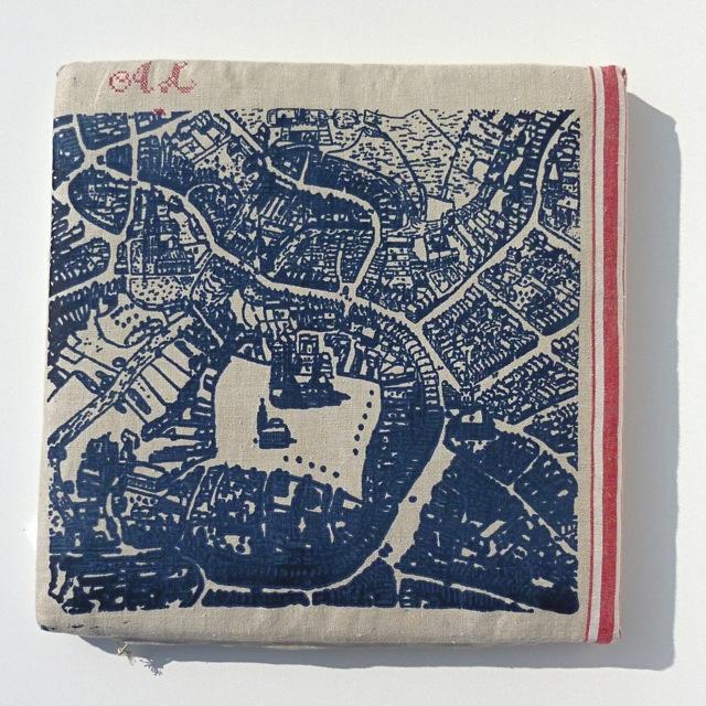 Personalisiertes Kissen mit Monogramm, im Siebdruck von Hand gedrucktes Unikat