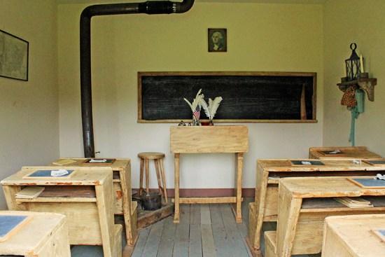 Missouri Town 1855 - Inside School