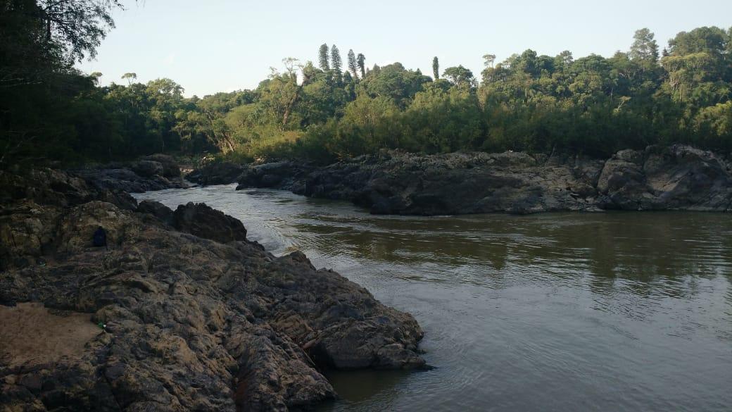 Jovem está desaparecido no Rio Itajaí-Açu