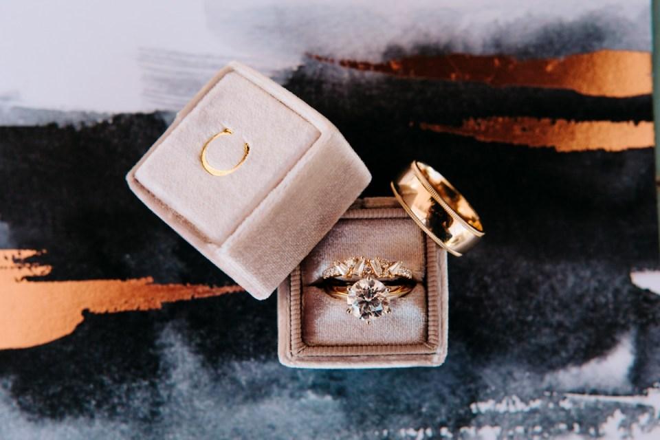 mauve, gold and black wedding design