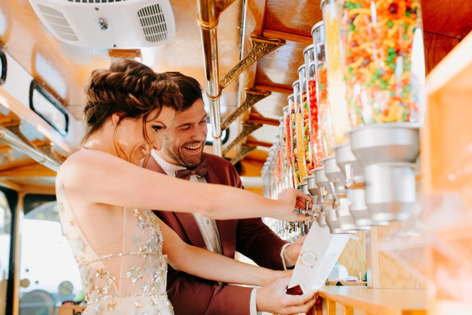 candy coach candy rentals for weddings