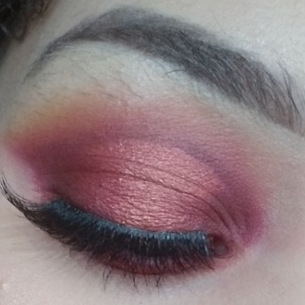 Smokey Halo Valentine's Day Makeup