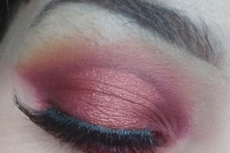 Smokey Halo Valentine's Day Makeup