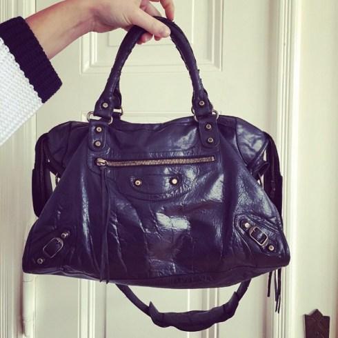 Wie neu: meine Balenciaga City Bag von t'atelier Frankfurt überarbeitet! Mehr dazu auf @journelles #balenciaga #balenciagacity #tatelier