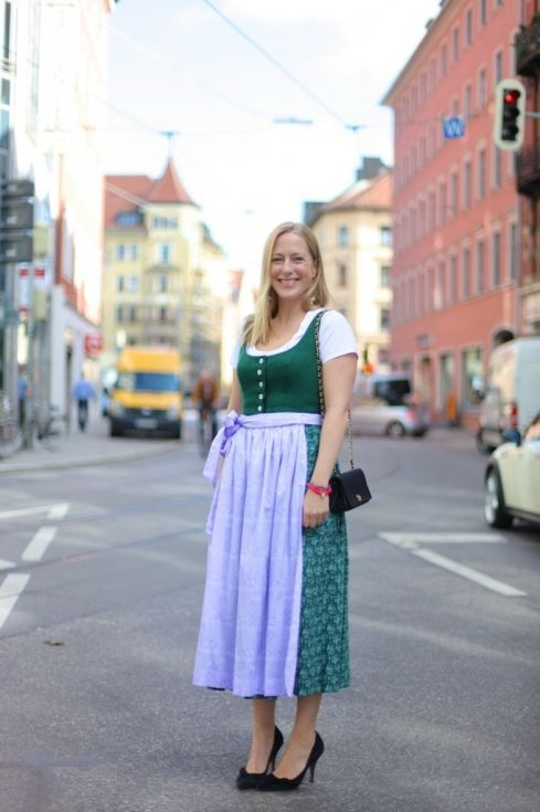 alexa-peng-jourlook-oktoberfest
