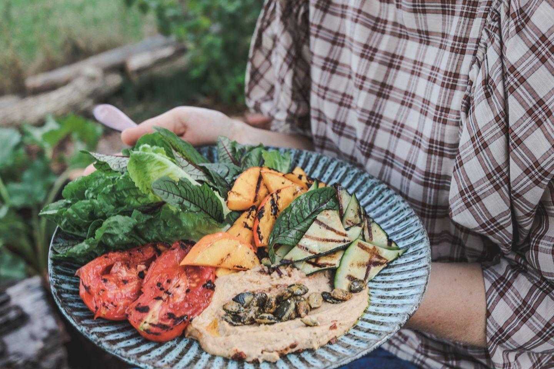We love Veggies: Das ist unser herbstlicher Grillteller mit Obela Hummus |#Anzeige