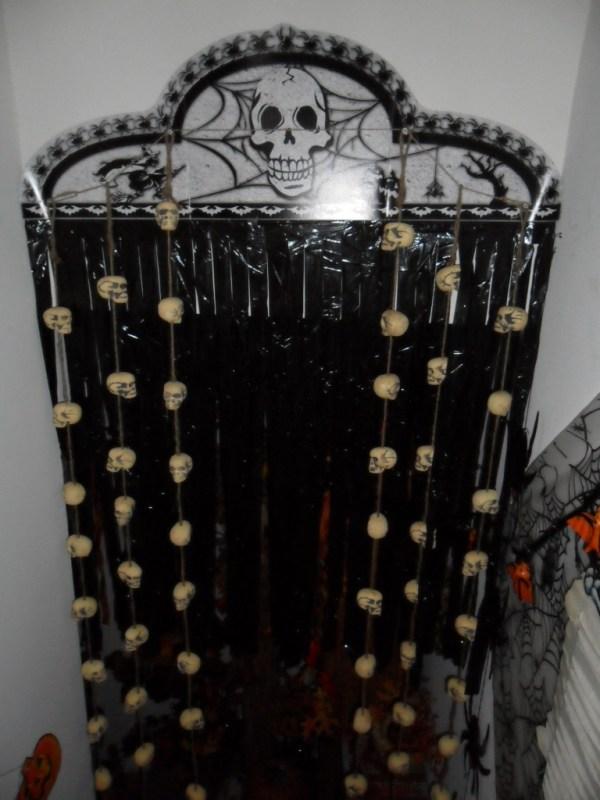 H hallway curtain