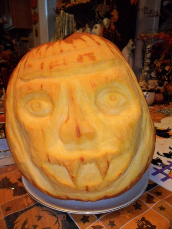 H pumpkin sculpting7