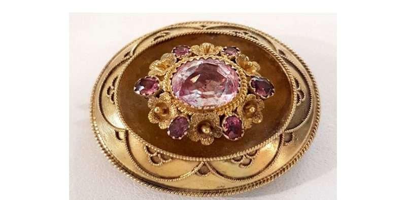 antique-gold-brooch