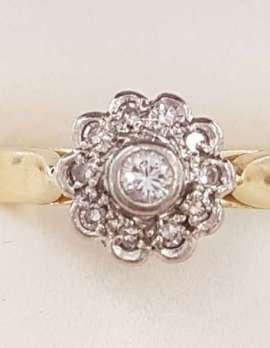 18ct Yellow Gold Diamond Daisy / Flower Ring