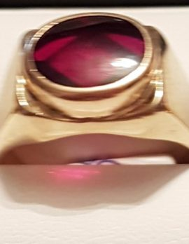 9ct Gold Oval Red Gents Ring