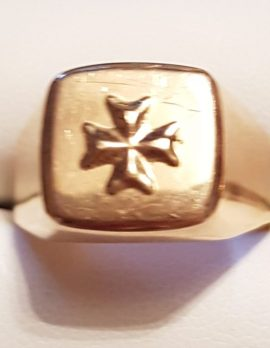 18ct Gold Maltese Cross Ring