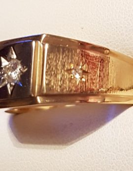 18ct Gold Diamond Gents Ring - Square