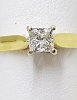 18ct Gold Princess Cut Diamond Solitaire Engagement Ring