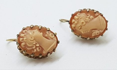 Gold Lined Shell Lady Cameo Screw-On Earrings