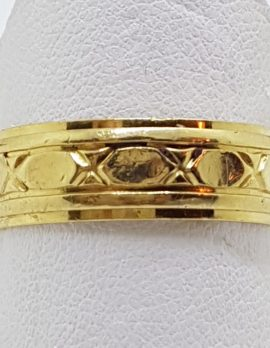 18ct Yellow Gold Patterned Wide Wedding Band Ring