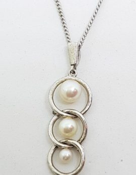 Sterling Silver Mikimoto Pearl in Circles Pendant on Sterling Silver Chain