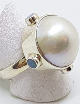 Sterling Silver Mabe Pearl with Opal Ring