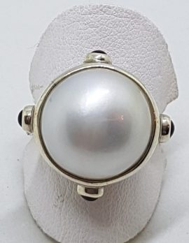 Sterling Silver Mabe Pearl with Onyx Ring