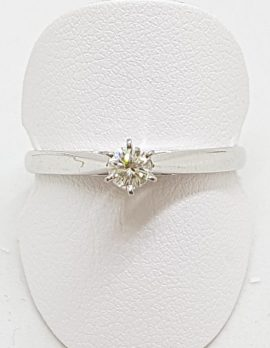18ct White Gold Round Diamond Solitaire Engagement Ring