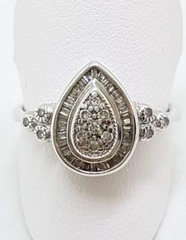 9ct White Gold Teardrop/Pear Shape Diamond Cluster Ring