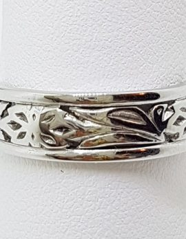 18ct White Gold Rounded Wide Ornate Filigree Wedding Band Ring