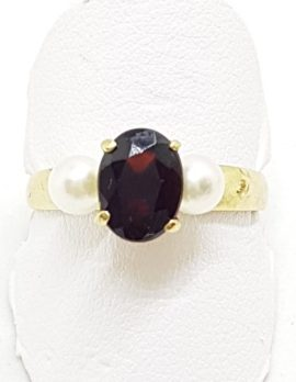 9ct Yellow Gold Oval Garnet with Pearls Ring
