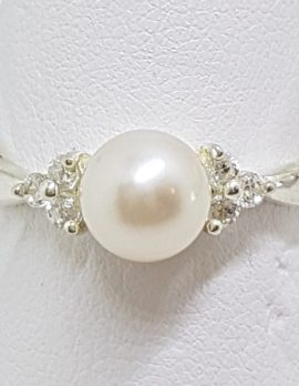 Sterling Silver Pearl & Cubic Zirconia Ring