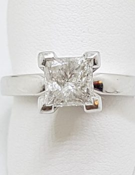 18ct White Gold 1.03ct Princess Cut Diamond Engagement Ring – Claw Set