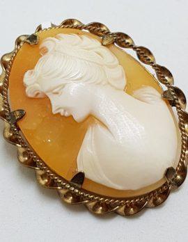 9ct Yellow Gold Ornate Twist Rim Oval Cameo Lady Brooch