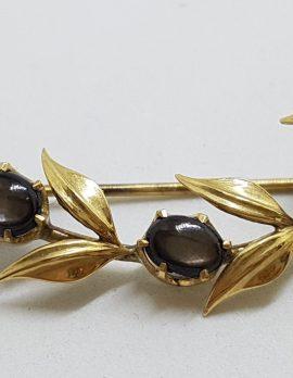 9ct Yellow Gold Star Sapphire Ornate Leaf Design Brooch – Antique / Vintage